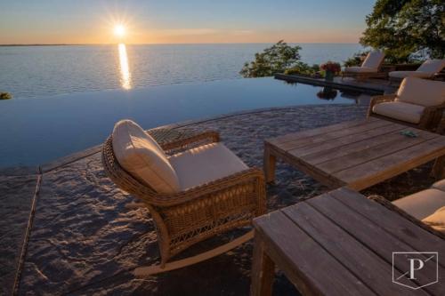 Infinity Pool Rochester Lake Ontario