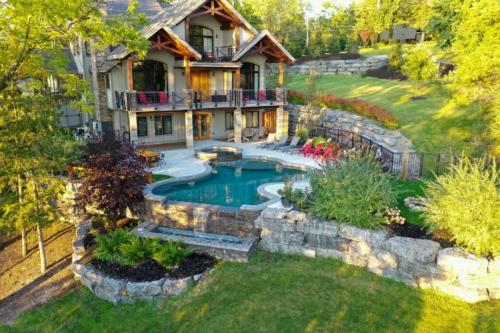 Lakeside lodge pool